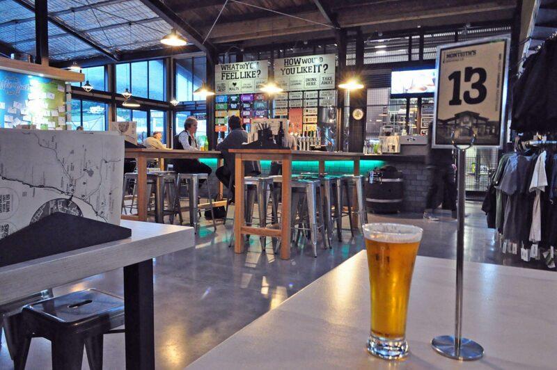 9 augustus 2017: eten bij Monteith's Brewery in Greymouth, Nieuw-Zeeland