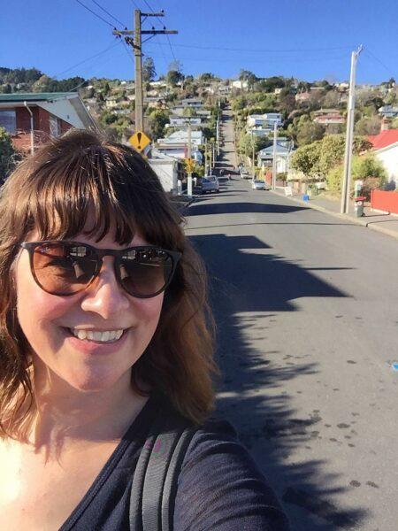 16 augustus 2017: steilste straat ter wereld in Dunedin, NIeuw-Zeeland