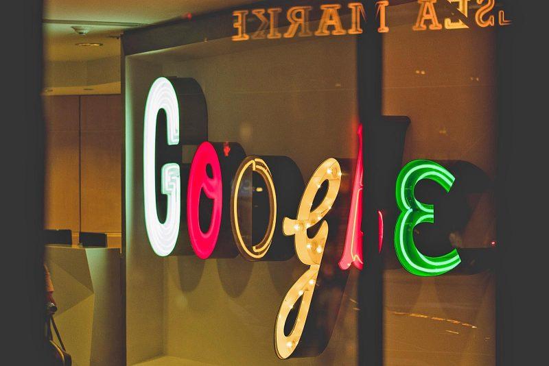De grappigste zoekopdrachten over onze buurlanden // Google
